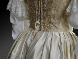 Historisches Kleid aus Brokattstoff